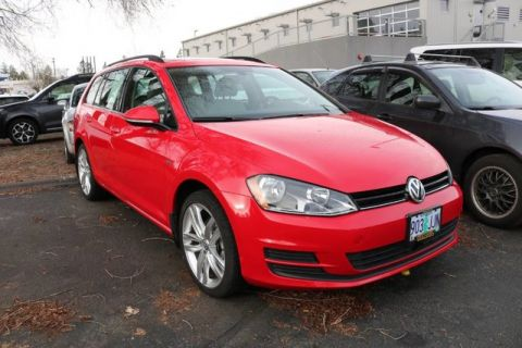 Pre-Owned 2016 Volkswagen Golf SportWagen TSI Limited Edition
